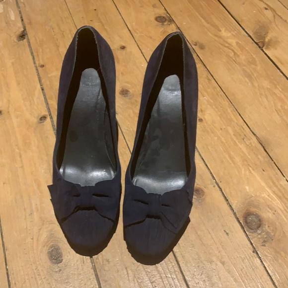 Stuart Weitzman blue suede heels!